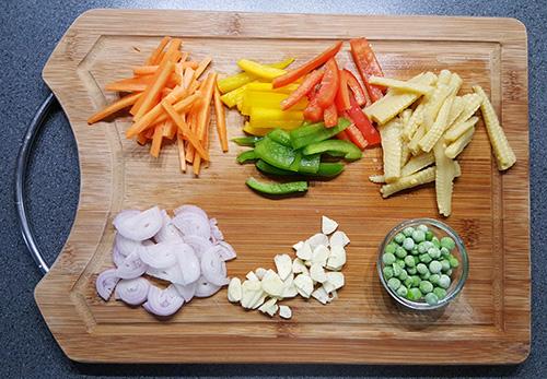 Gebakken rijst met ei en groenten | Ingrediënten | Gewoon een foodblog!
